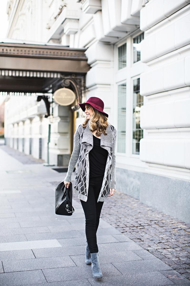 karenkane-sweater-ivorylane