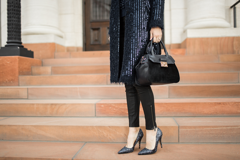 navyblue-holiday-outfit
