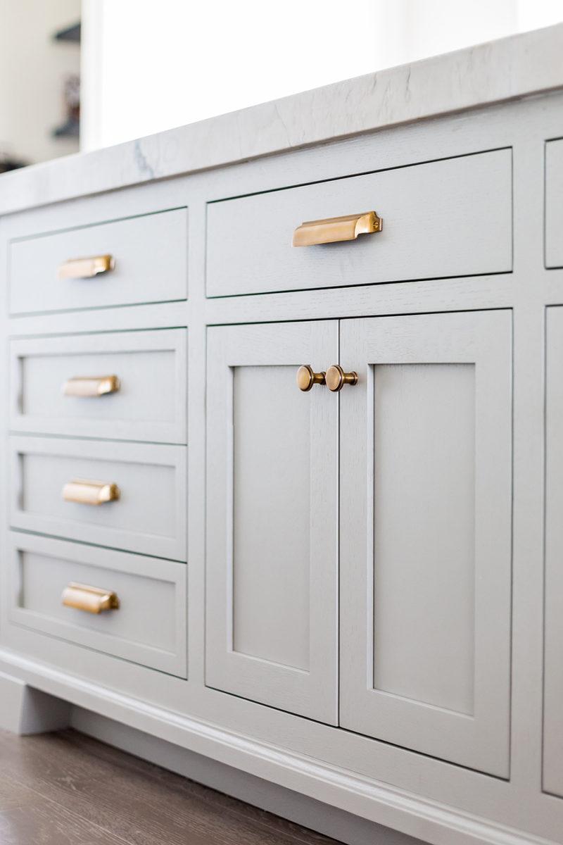 oak-cabinets-ivorylane